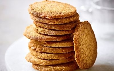 Wholemeal shortbread biscuits
